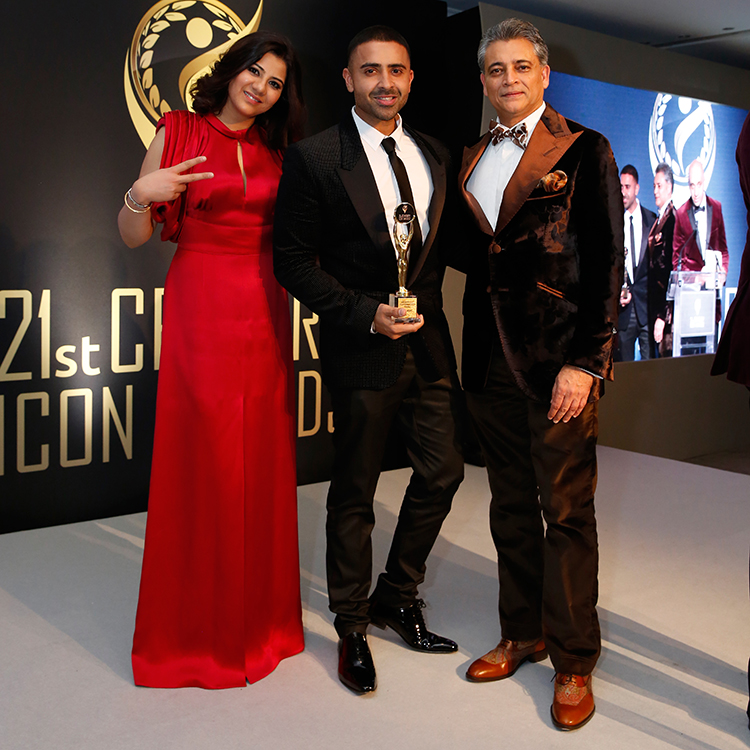 Jay-Sean (Winner of the Magnificent Performing Arts Award with event founders Preeti Rana and Tarun Ghulati)